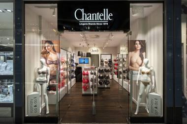 c4d06ea4ffaf9 ... ponadczasowy styl i francuski szyk, ubierając kobiety od 140 lat w  piękną, dostosowaną do aktualnych trendów bieliznę. Produkty firmy  Chantelle trafiają ...