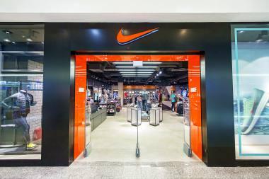 14b6e77e7a23 Nike to niemalże od pół wieku jednoznacznie kojarzący się już znak  rozpoznawczy. To równocześnie gwarancja jakości i światowa marka